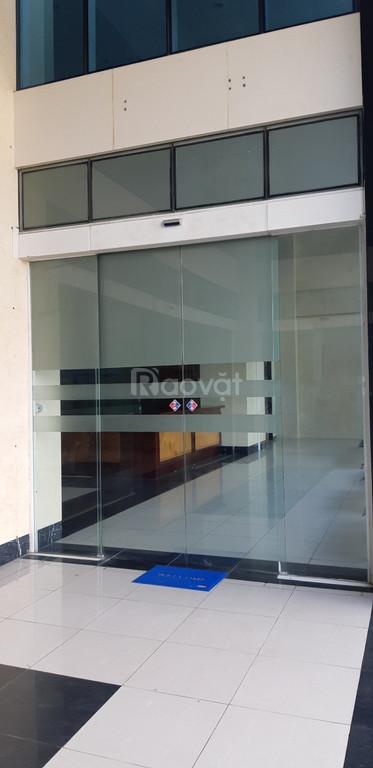Lắp đặt cửa kính trượt tự động cho khách sạn, ngân hàng Đà Nẵng