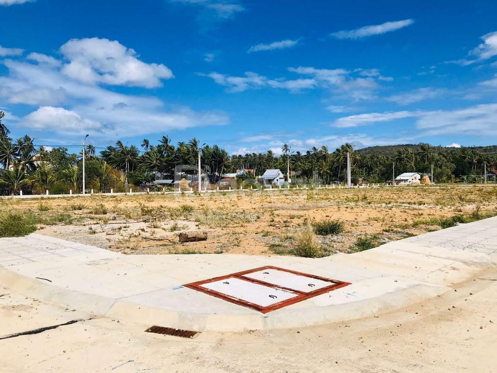 Cuối năm mua đất-đầu năm lộc về-đất nền sổ đỏ ven biển chỉ 568tr/nền