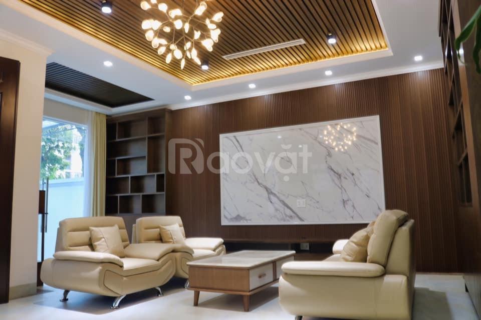 Bán nhà C4 Làng Quốc Tế Thăng Long 6 tầng, MT6m, giá 10.8 tỷ, DT100m