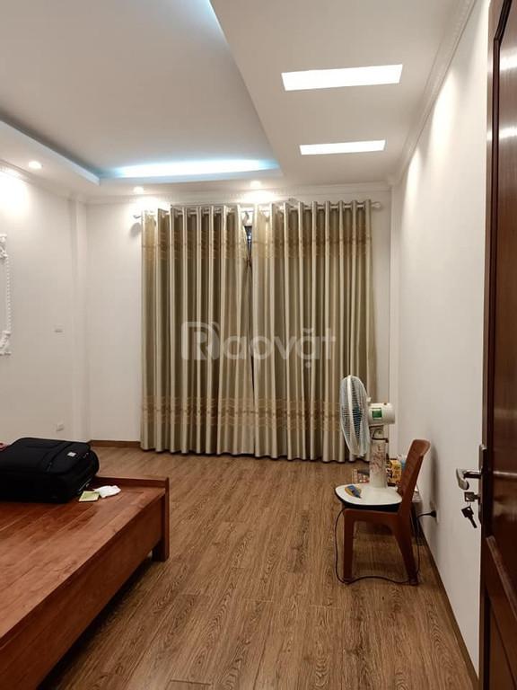Bán gấp nhà phố Thái Hà, diện tích 42m2 4 tầng, mặt tiền 4m, nhà đẹp