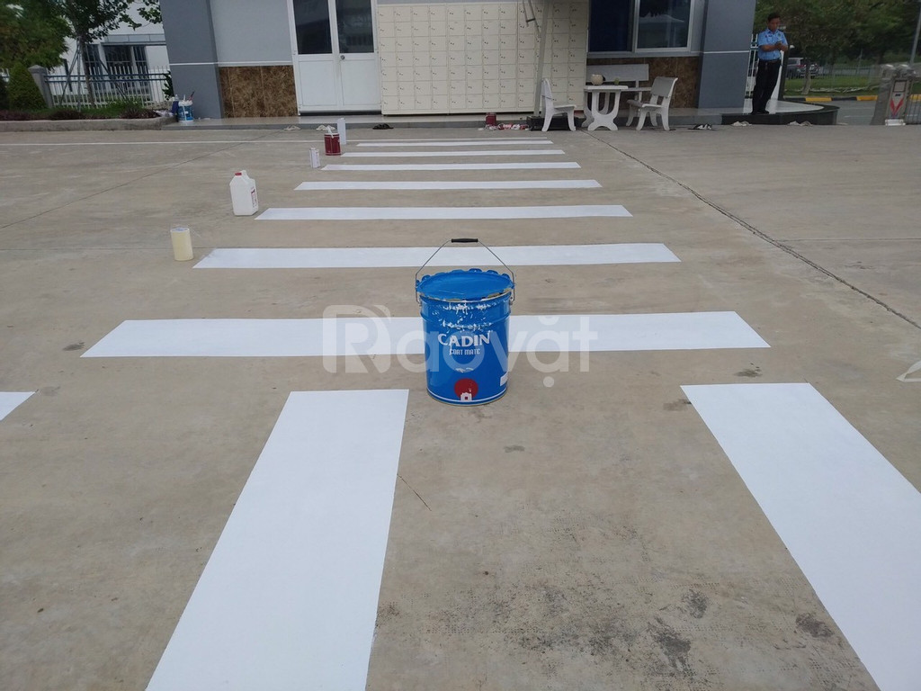 Bán sơn kẻ vạch giao thông Joton Joway màu vàng 153 giá rẻ ở Tân Bình