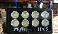 Đèn led pha 400w chiếu sân bóng sáng