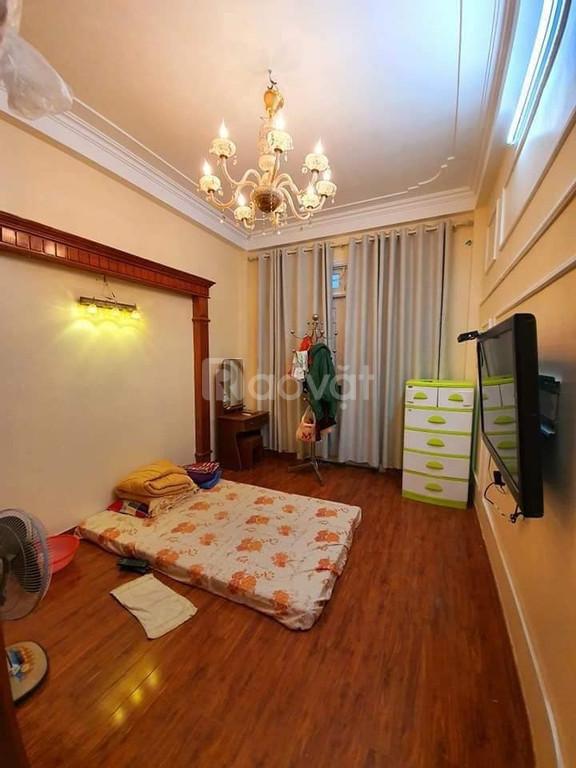 Chủ nhà cần bán nhà 4T, diện tích 36m2 nội thất rất đẹp.