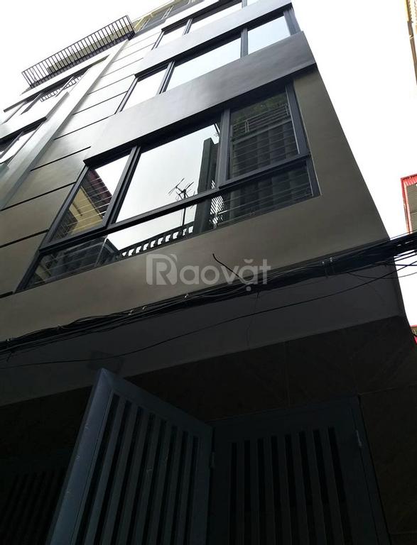 Bán nhà phố Kim Ngưu, 3,25tỷ mà 5 tầng, hơn 30m2, ô tô cách nhà 20m.