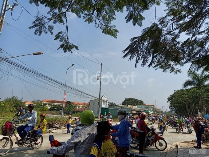 Đất thổ cư rạch kiến, đối diện trường tiểu học Long Hòa, 898tr.