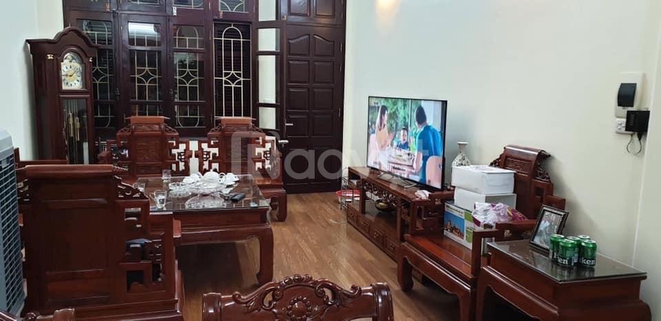 Bán nhà rẻ nhất phố Lê Duẩn , quận Đống Đa, xây 4T, DT 36m2.