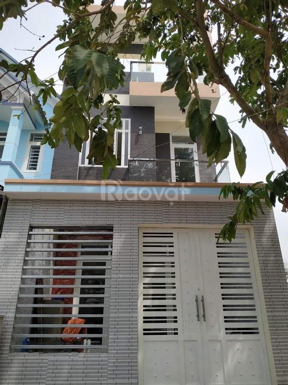 Bán nhà 1 trệt 2 lầu đường  Hùng Vương, tp Tân An 100m2 giá 3.2 tỷ