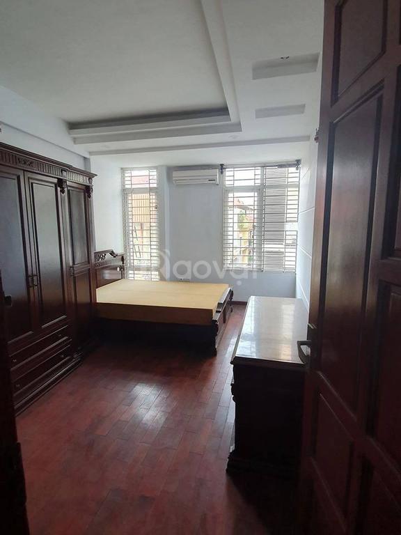 Nhà 55m2, sân rộng, 6 phòng ngủ, nội thất xịn