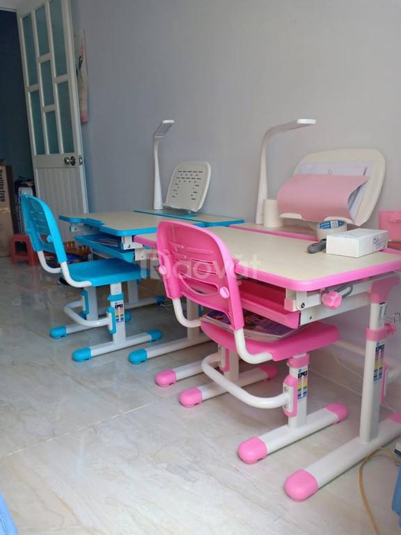 Bộ bàn ghế học sinh chống gù lưng C402