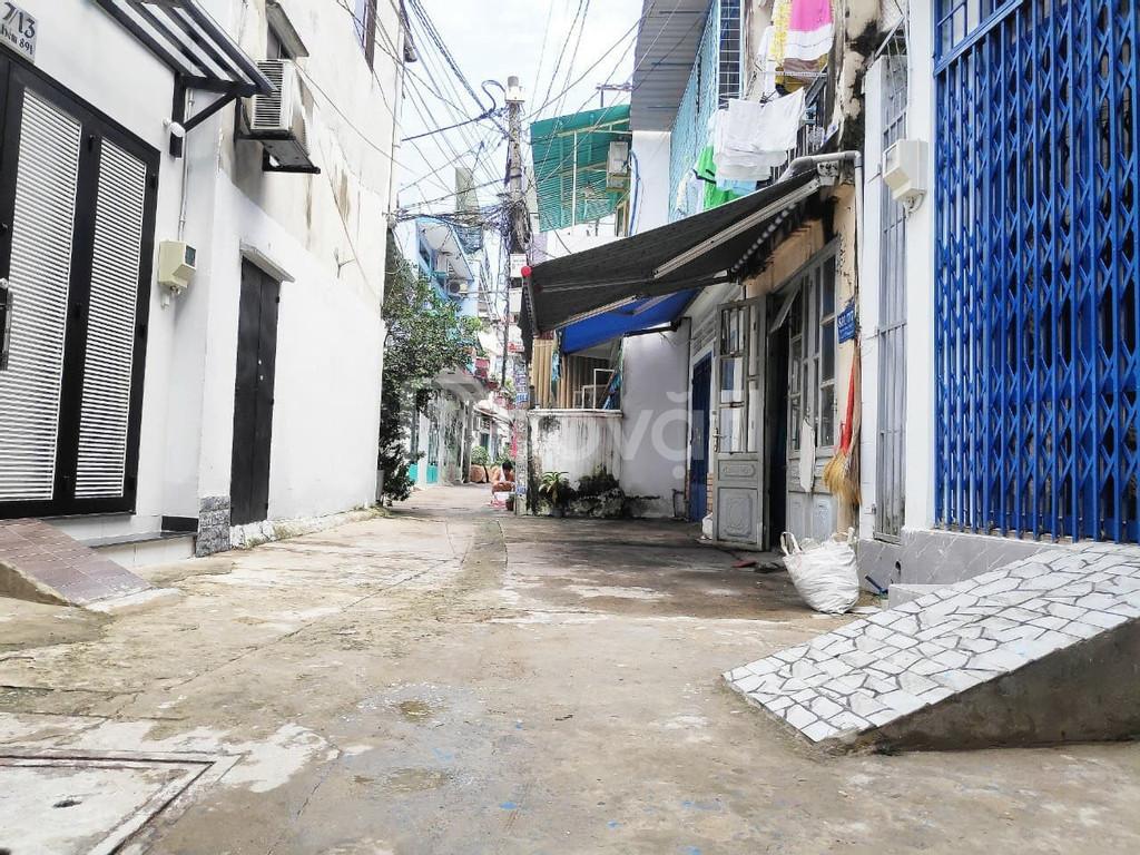 Cần bán gấp nhà 3 lầu hẻm xe hơi 6m đường Nguyễn Kiệm, P3, quận Gò Vấp