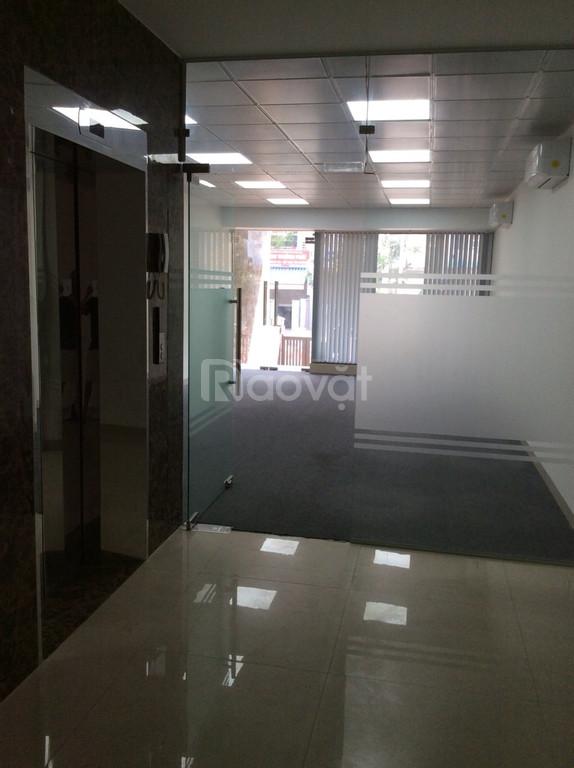 Cho thuê nhà nguyên căn làm VP mặt tiền đường D1, KDC Him Lam, Quận 7