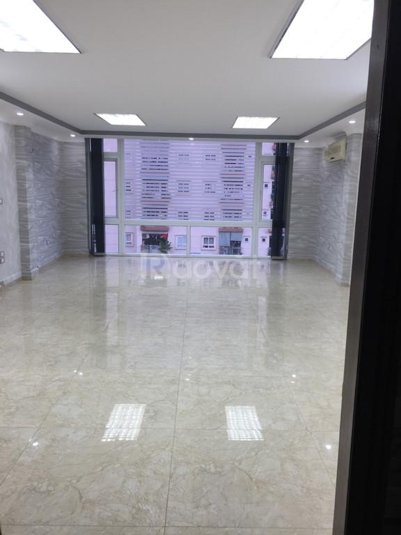 Tòa văn phòng mặt phố Trung Hòa
