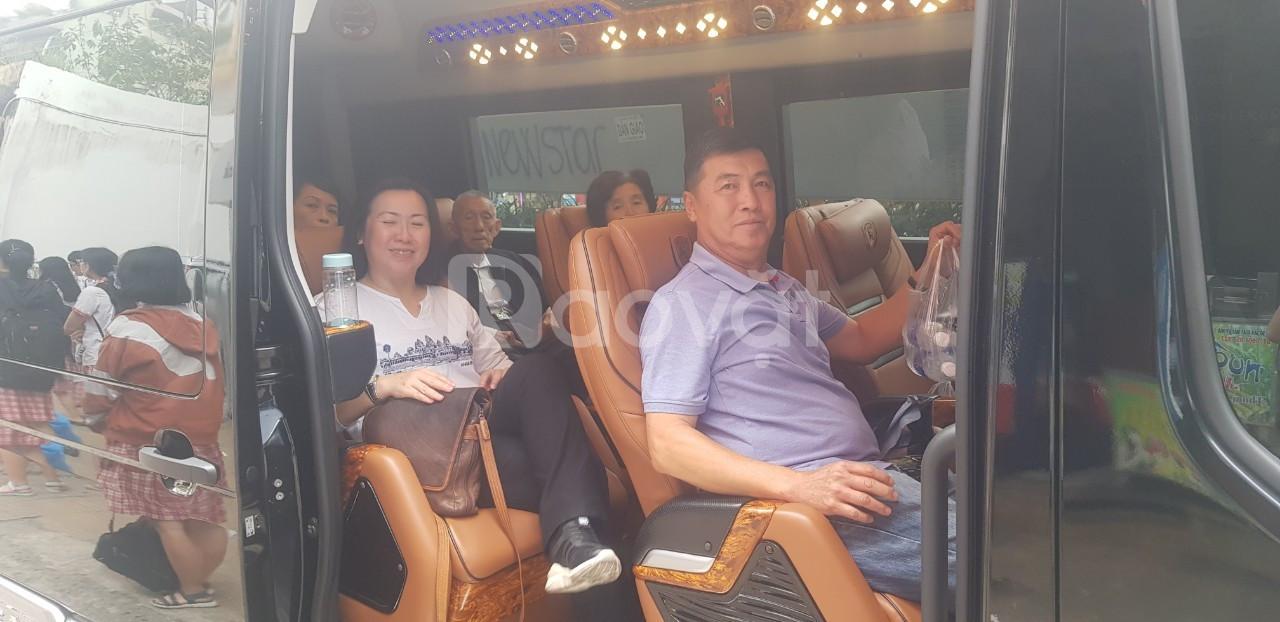 Cho thuê xe limousine 9 tết 2020