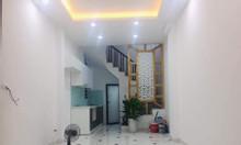 Bán nhà giá chỉ 2.8 tỷ có ngay S: 32m2*5T, vài bước ra phố Trương Định