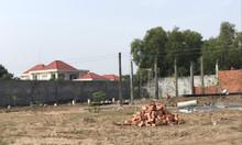 Bán lô đất xây nhà trong khu dân cư ngay thị trấn Đức Hòa
