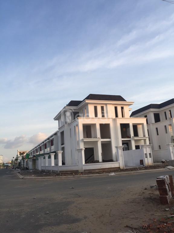 Bán 10 căn nhà phố liền kề giá công ty KDT lấn Biển Tây Bắc Kiên Giang