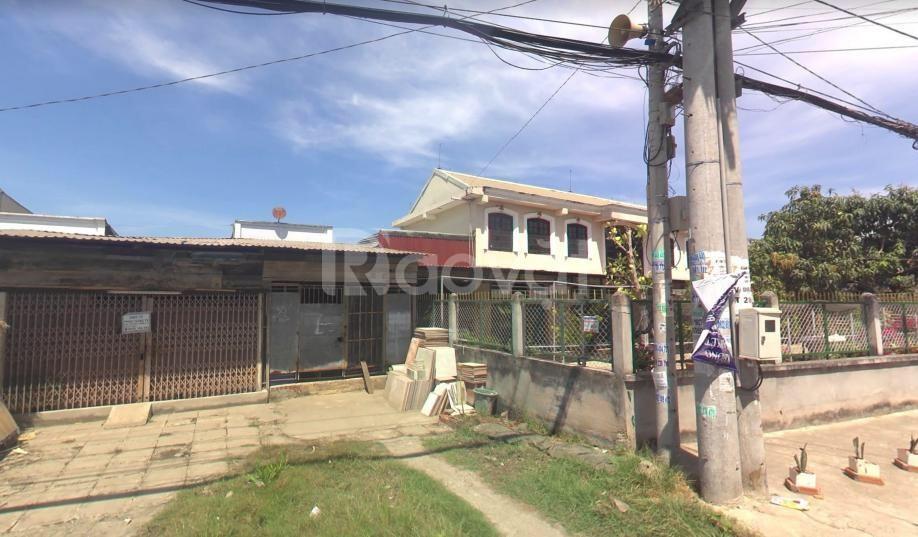 Bán nhà MT đường Nguyễn Văn Tạo