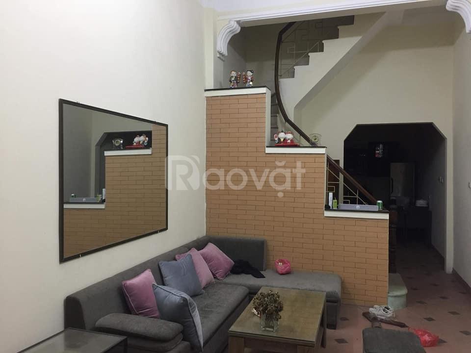 Gia đình mua nhà mới cần bán nhà 4 tầng tại mặt ngõ Khương Thượng Đống