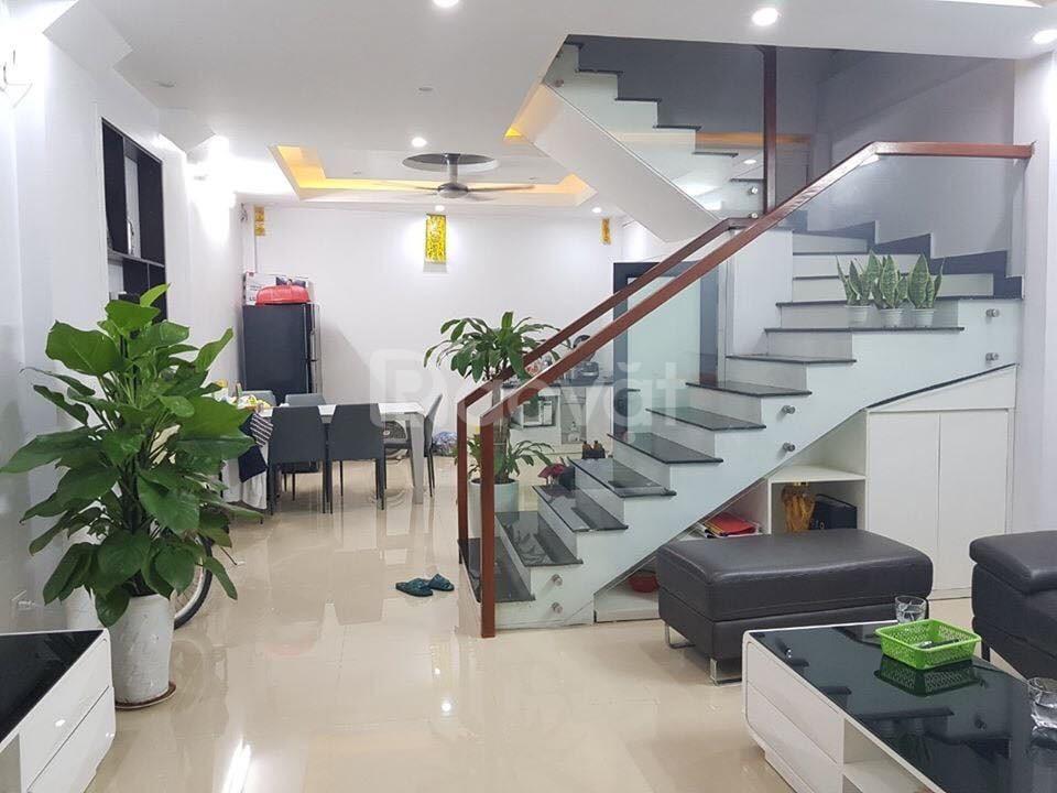 Gần tết bán gấp nhà giáp Lê Văn Lương-3,3 tỷ-Quận Thanh Xuân