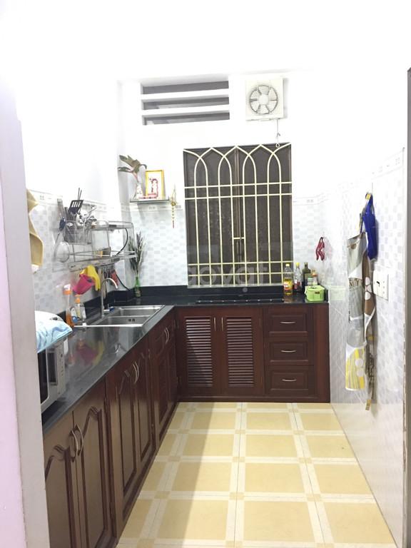 Chính chủ bán căn hộ 2PN, chung cư 208 D2, P25, Bình Thạnh, giá tốt.