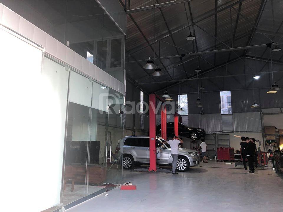 Cho thuê kho Đức Giang 300m2 thiết kế kiên cố, trần cao 7m; 28tr/tháng