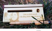 Một số mẫu bút bi gỗ khắc tên, khắc logo giá rẻ