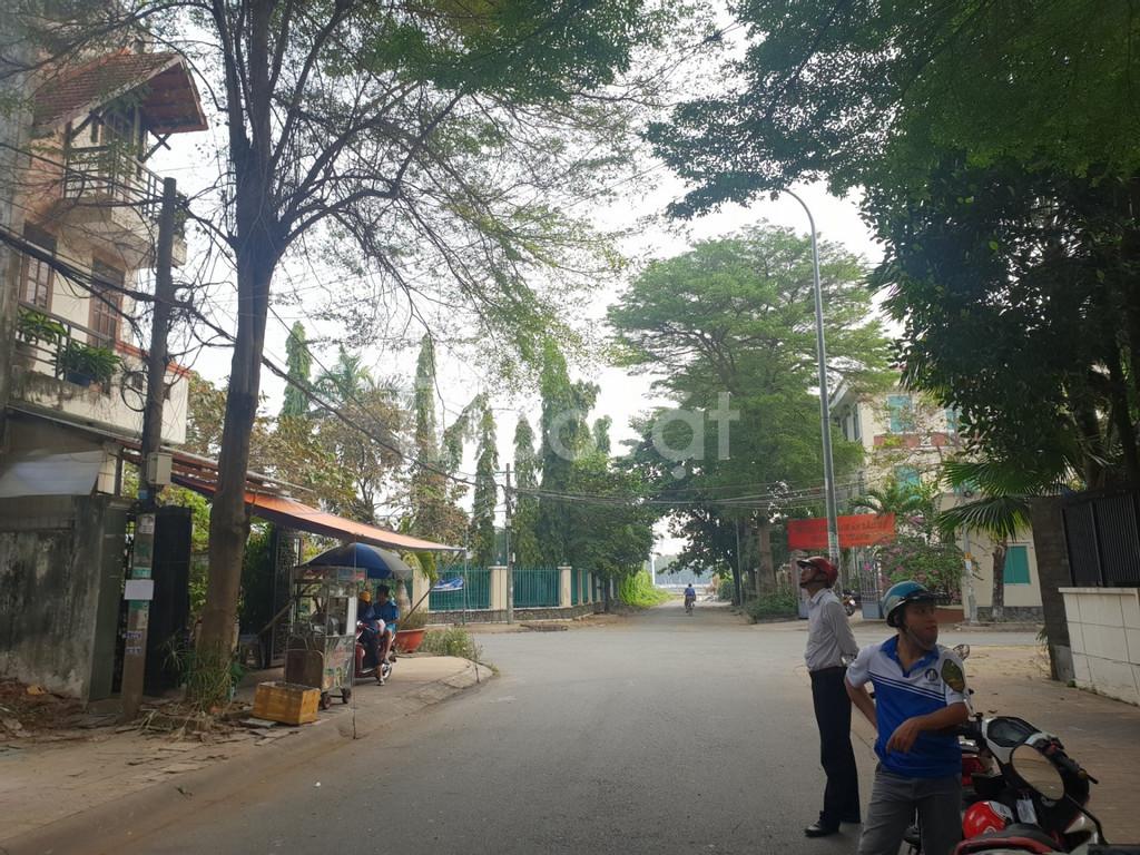 Bán nhà Bình Lợi, Quận Bình Thạnh DT lớn 6x23m, giá chỉ 11 tỷ.