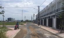 Bán dãy nhà mới xây chợ Bình Chánh, 860 triệu/căn, sổ hồng riêng