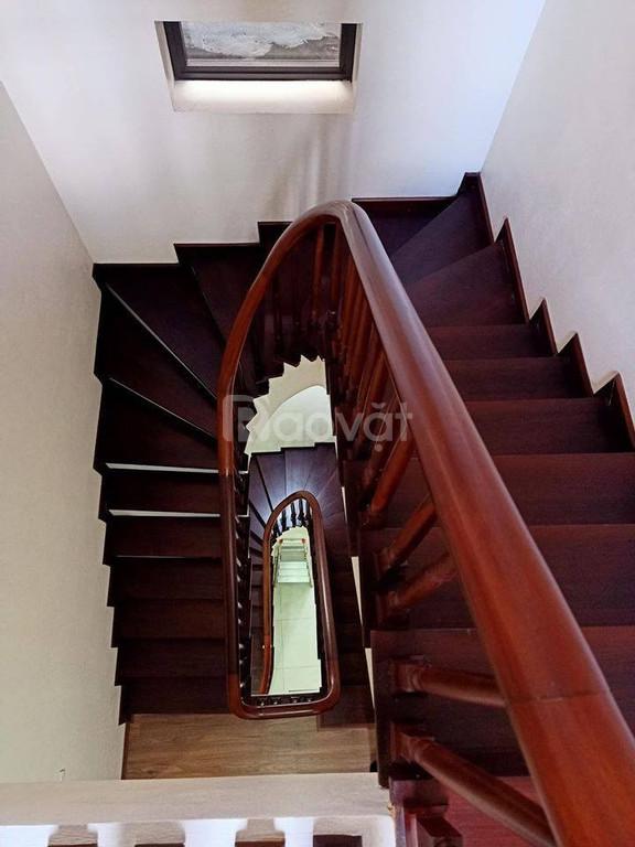 Bán nhà nhà đẹp phố Lê Thanh Nghị 45m2*5T lô góc 2 mặt thoáng cách ô tô 40m giá 4.35 tỷ