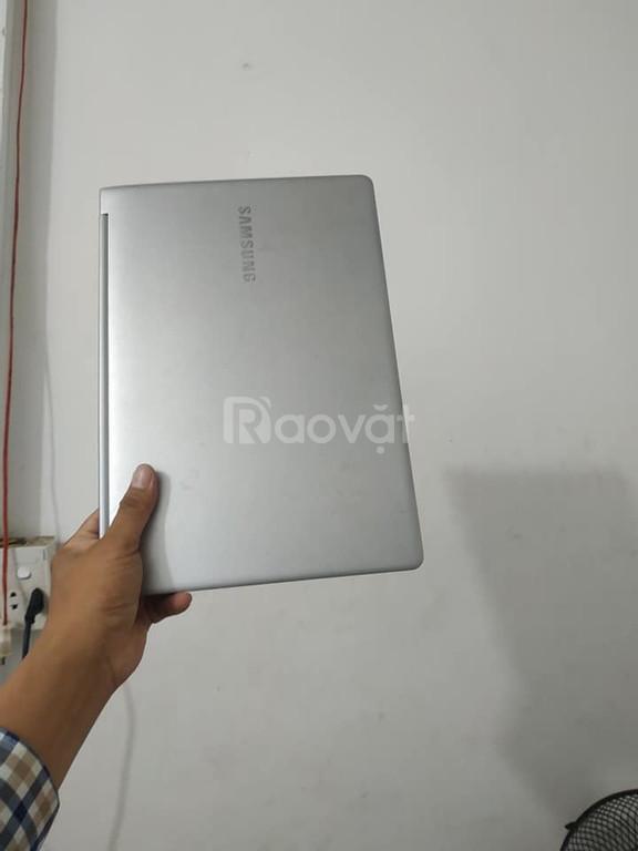 Bán Laptop Samsung Seri 9 / Siêu mẫu / Mỏng, nhẹ