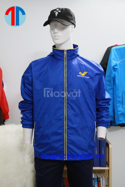 Công ty chuyên may áo khoác áo gió đồng phục uy tín chất lượng
