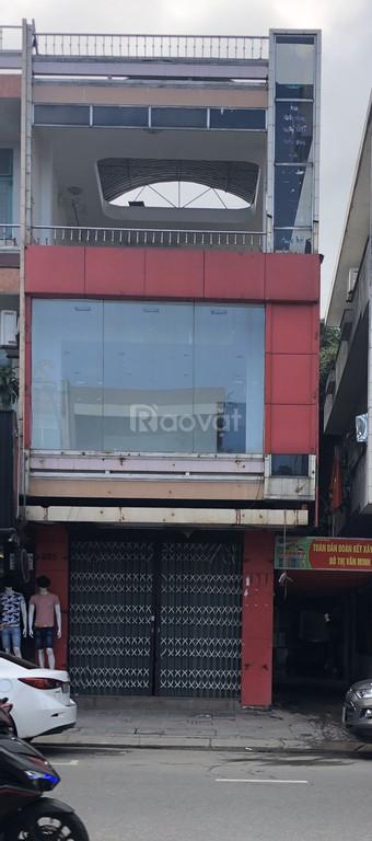 Cho thuê nhà 3 tầng mặt tiền đường Lê Duẩn