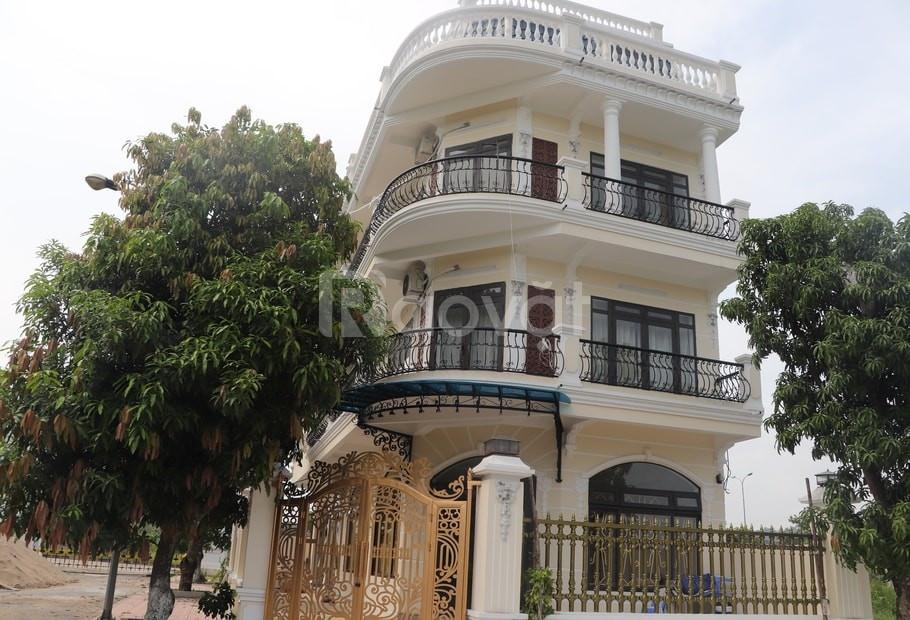 Cần bán lại căn liền kề tại KĐT Hòa Lạc Premier Residence nằm ở lối và