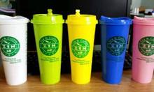Ly nhựa PP cứng màu nắp Starbuck, nắp Tim in logo