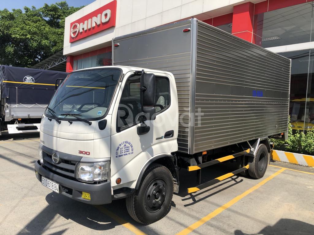 Xe tải hino Dutro XZU352L 3,5 tấn thùng 5m7, nhập khẩu Indonesia