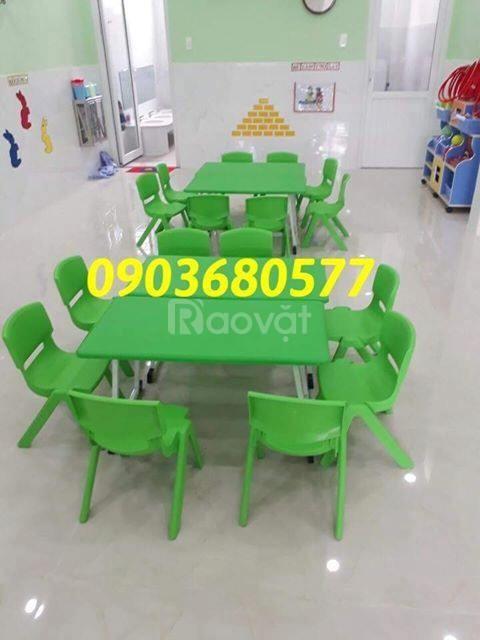 Chuyên bán bàn ghế nhựa trẻ em cho trường mầm non
