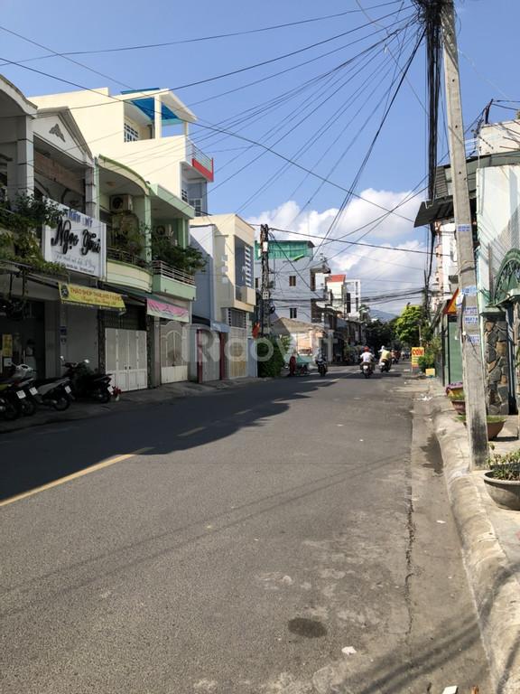 Bán nhà đẹp mặt tiền đường Trần Nguyên Hãn trung tâm NhaTrang
