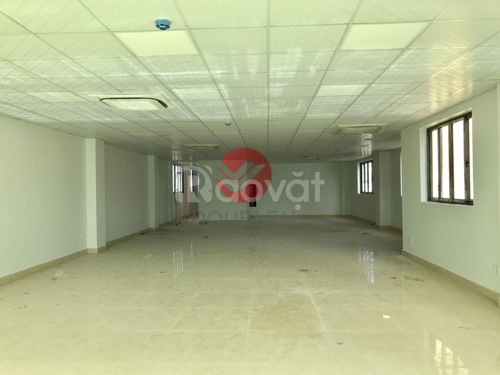 Cho thuê văn phòng 160m2 quận Bình Thạnh, trần sàn hoàn thiện
