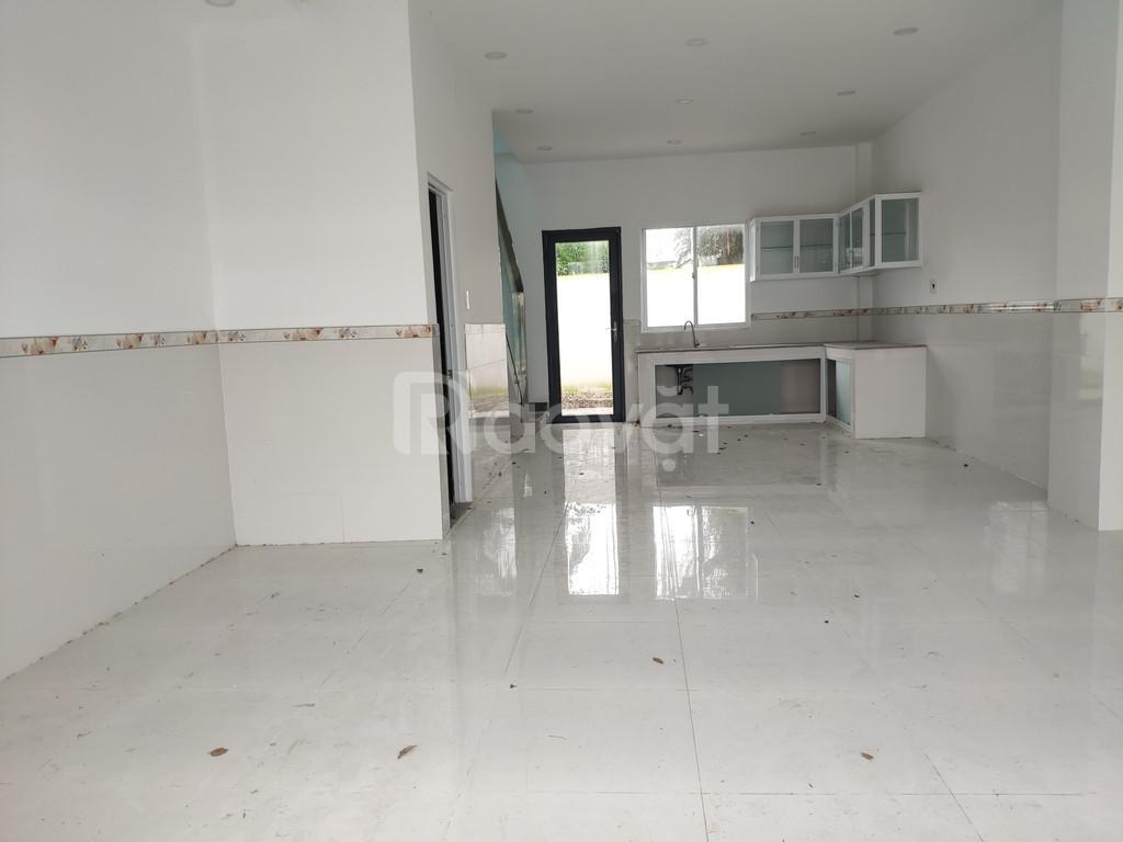 Nhà 1 lầu cách chợ Bình Chánh 2km đường Hoàng Phan Thái, SHR, 100m2