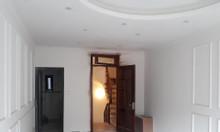 Bán nhà liền kề phường Bồ Đề 33m2 xây mới 5 tầng hướng Đông Nam 2,95tỷ