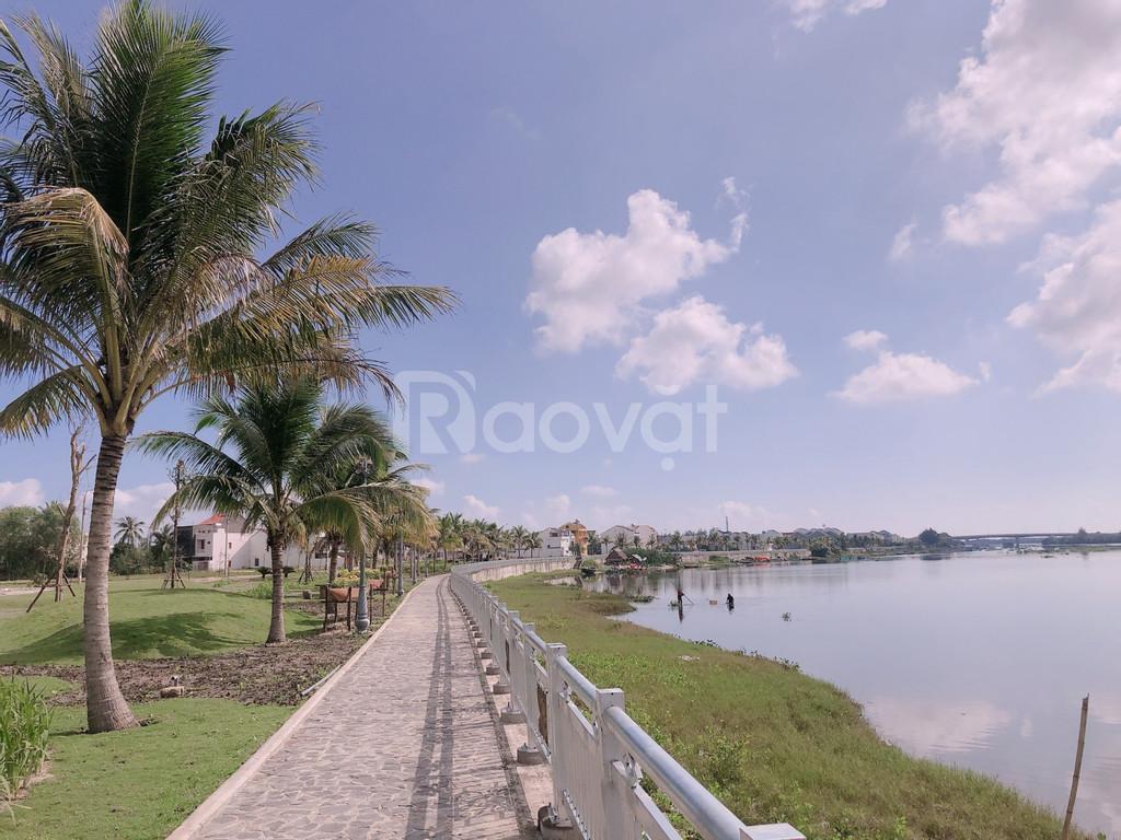 Hai mặt tiền đường 7.5m Nguyễn Phan Vinh, cách sông 10 bước chân