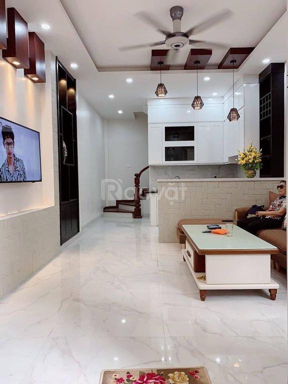 Bán nhà 32m2*5T lô góc kinh doanh cách Đê Trần Khát Chân