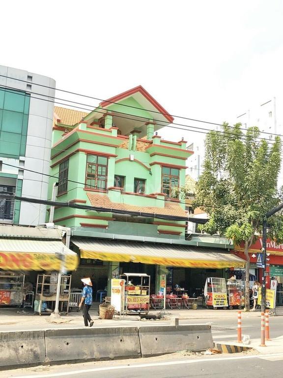 Biệt thự mặt tiền đường Huỳnh Tấn Phát, Phường Tân Phú, Quận 7