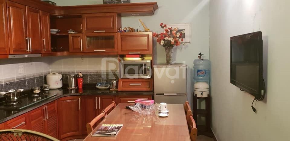Cho thuê nhà riêng Nguyễn Văn Cừ 50m2 đầy đủ tiện ích 7tr/tháng.