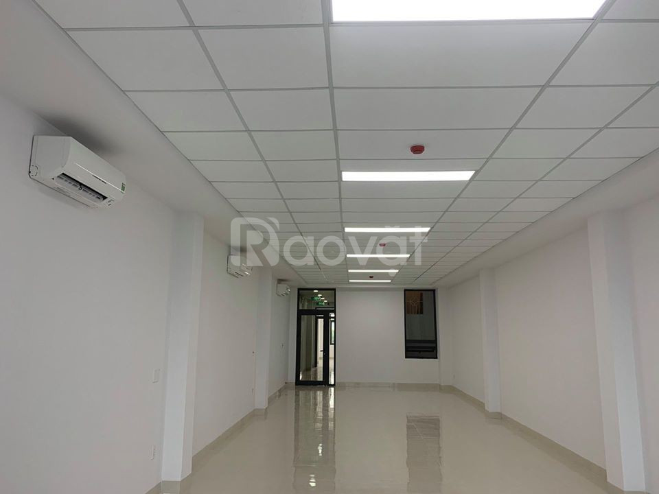 Cho thuê văn phòng đường Xô Viết Nghệ Tĩnh, Đà Nẵng. Full nội thất.