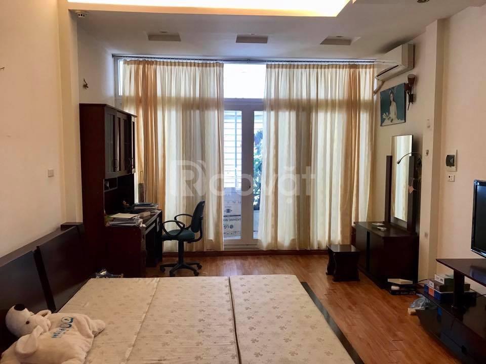 Bán nhà phố Hào Nam, Cát Linh, Đống Đa, 4 tầng, MT 5m, giá 3.9 tỷ