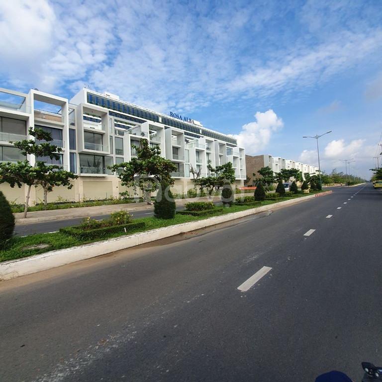 Đi nước ngoài cần bán gấp 2 lô liền kề mặt tiền biển Phú Yên