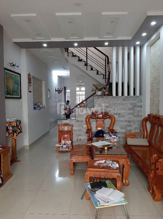 Bán gấp nhà tặng nội thất, đường Trần Thái Tông, quận Tân Bình. 4 tầng