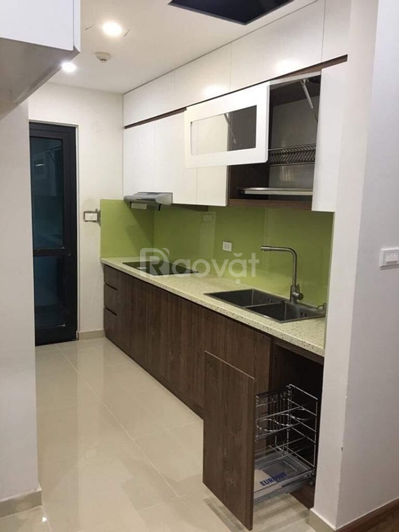 Bán căn hộ 84m2, 2Pn, 2Wc, giá 2.15 tỷ, 136 Hồ Tùng Mậu