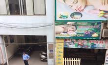 Bán gấp căn hộ 70m2 chung cư tập thể mặt phố Trung Liệt, quận Đống Đa